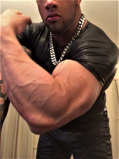 MASSIVE MUSCLEGOD